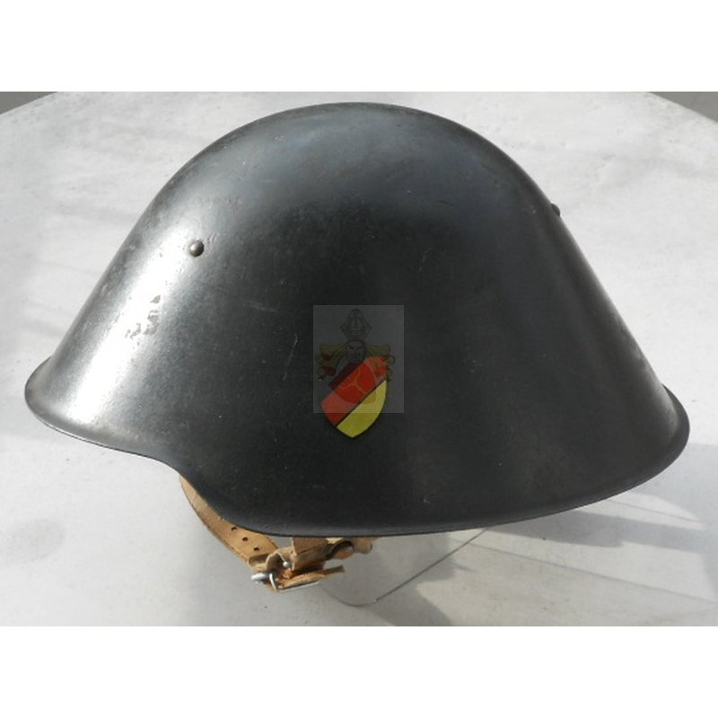 Nva Steel Helmet M56 Old Style With National Colours 195 00